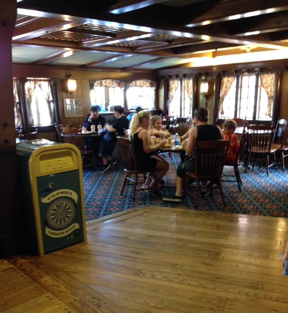 columbia harbour house dining area