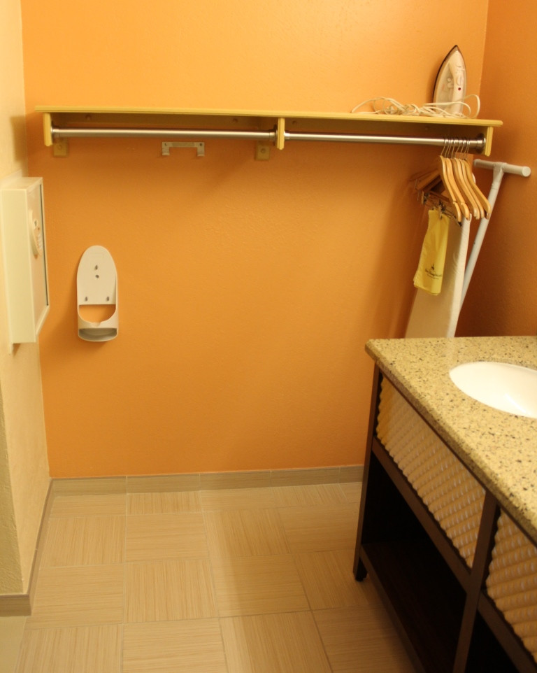 laundry area in the in-room bathroom