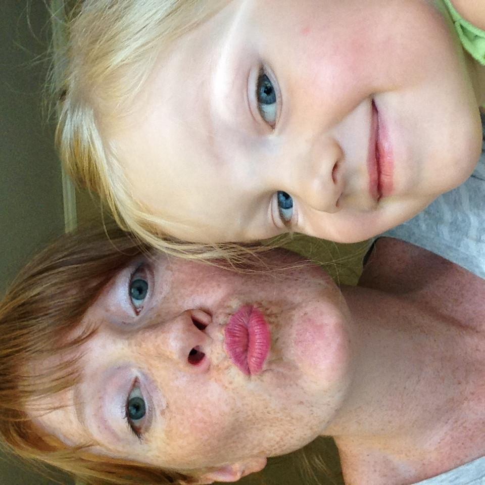 mommy daughter selfie