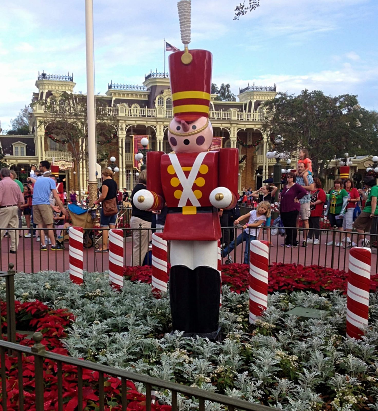 When Do Christmas Decorations Go Up At Disney World 2018