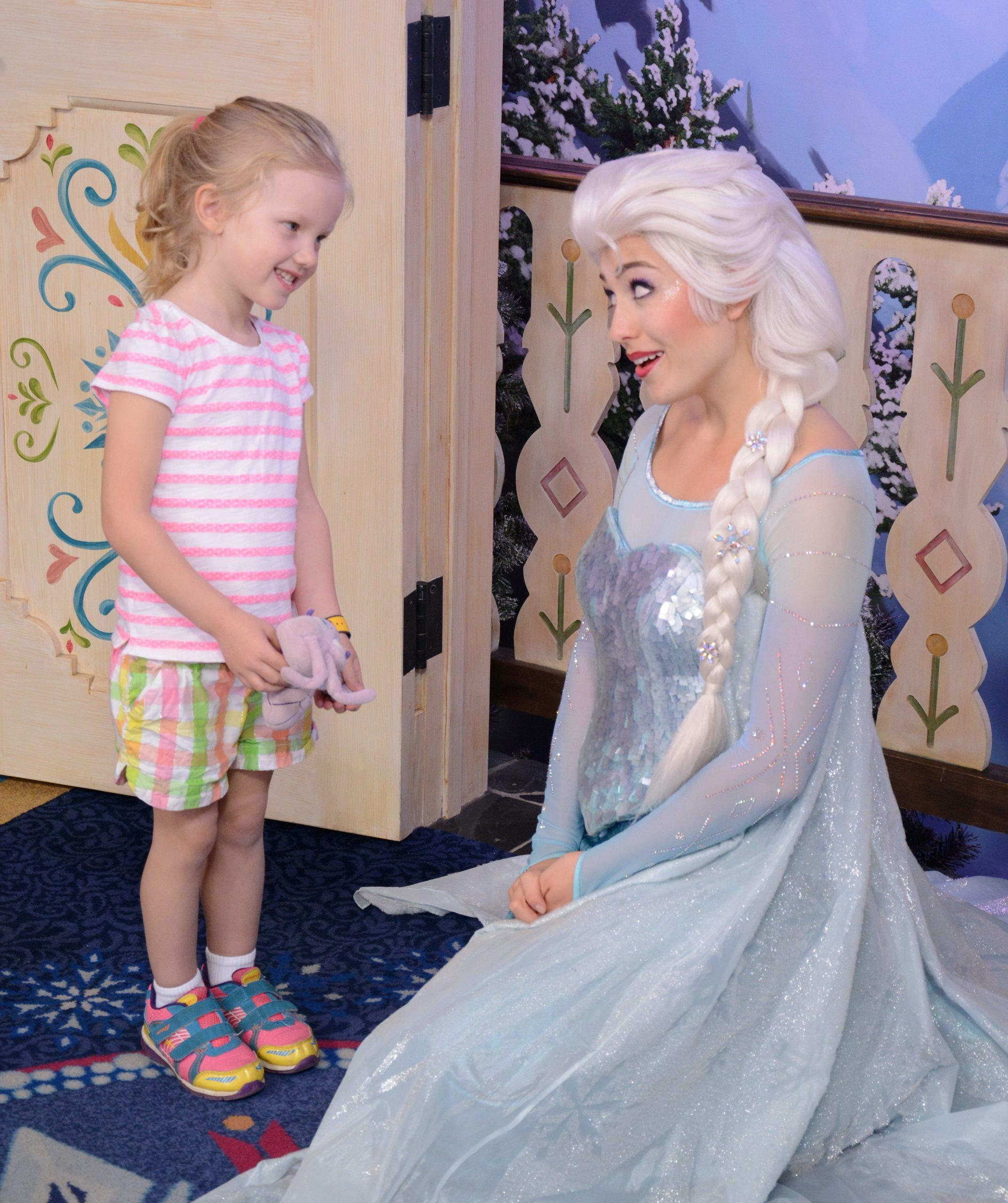 Little girl meeting Elsa