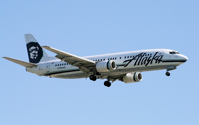 alaska airlines plane - san francisco family vacation