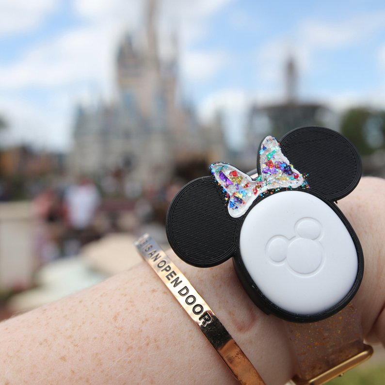minnie mouse ears on magic band