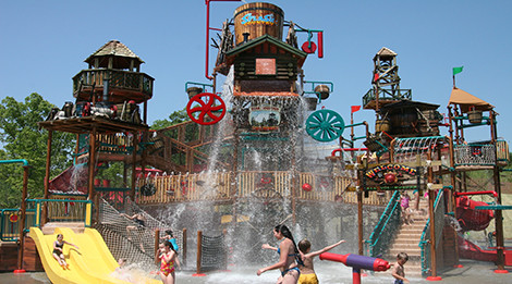 Kids playing at a water park - things to do in Pigeon Forge TN