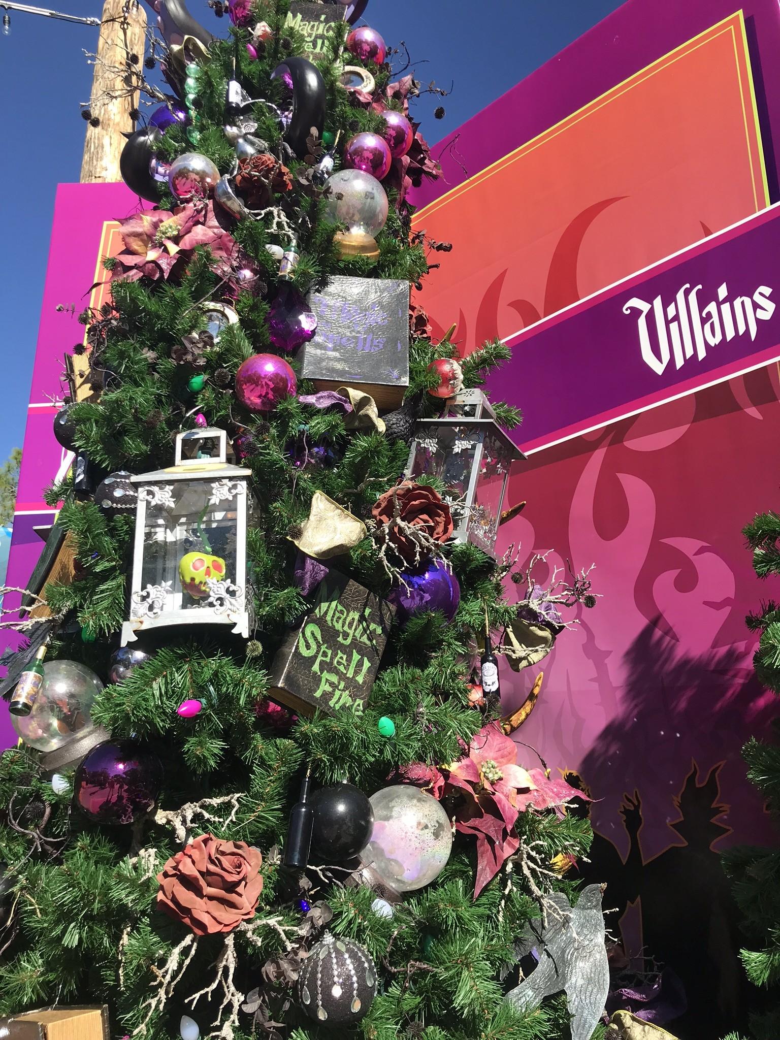 villains christmas tree