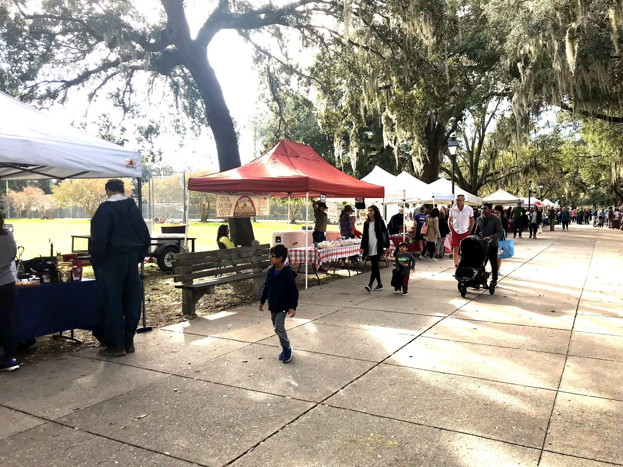 booths at forsyth park farmer's market